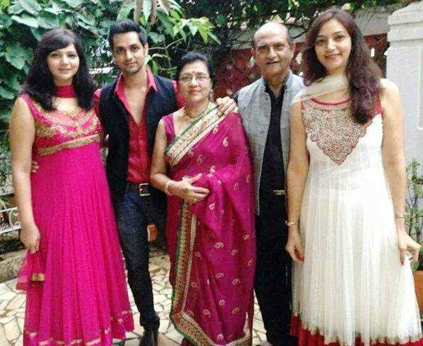 Shakti Arora Family Photo